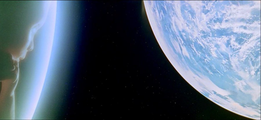 Dave-and-Earth-from-Stanley-Kubricks-2001-A-Space-Odyssey